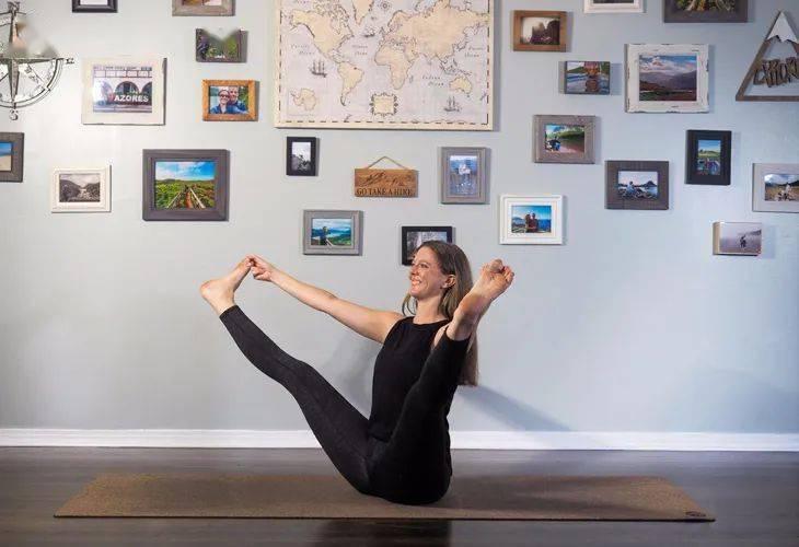 瑜伽船式变体,虐腹减脂、增强核心