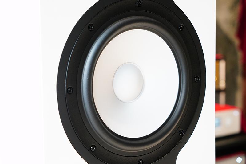 试听的Revel 锐威新款音箱F328Be