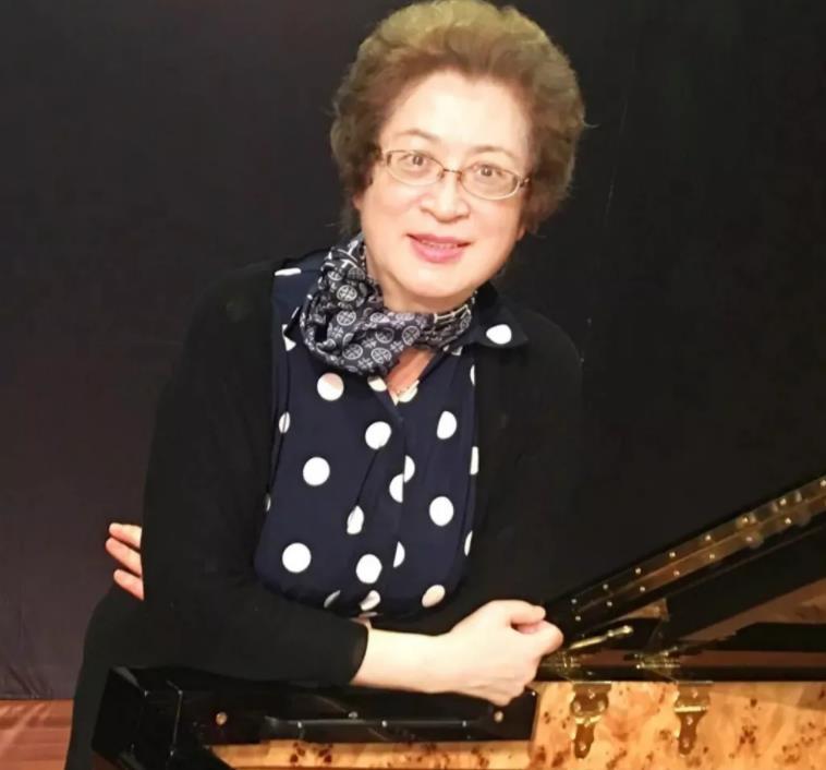 祝贺上音附中学生盖铭爱获得2021年罗马肖邦国际钢琴比赛四项大奖