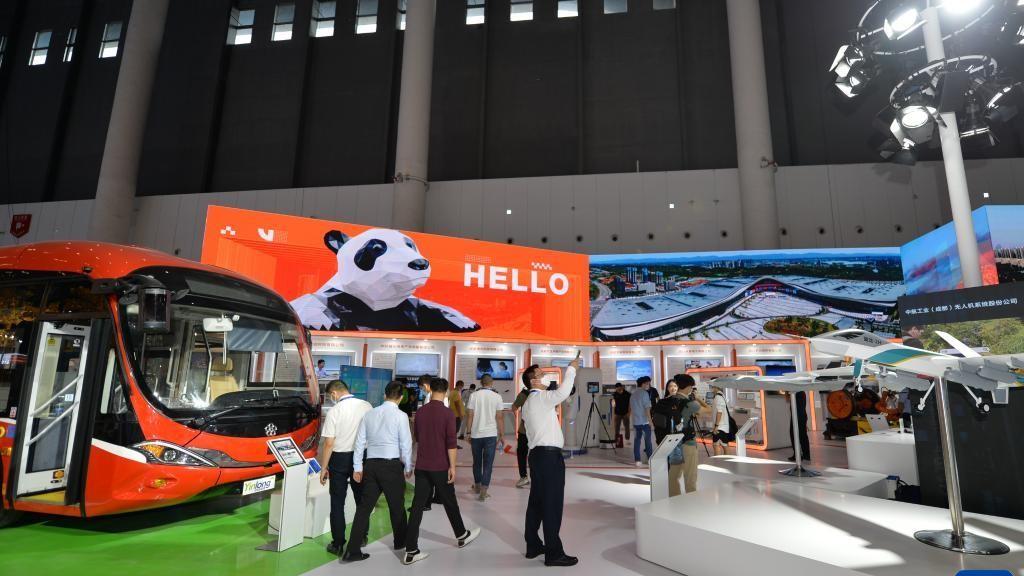 鹰誉科技携1:10歼20模型,亮相第十八届中国西部博览会!